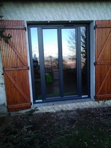 Porte fenêtre  2 vantaux + 2 fixes à crémone simple