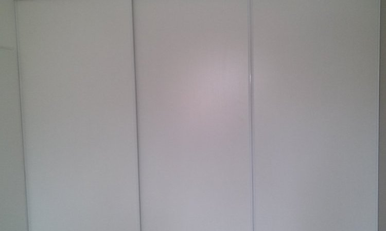 Porte coulissante dressing profil alu à clermont-ferrand