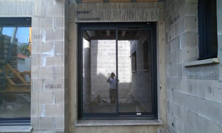 pose de baie vitrée aluminium