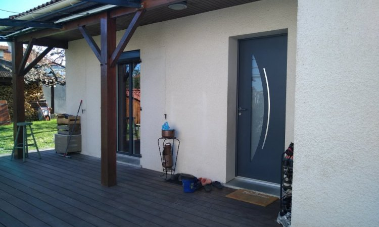 Installation de porte d'entrée en aluminium à Clermont-ferrand
